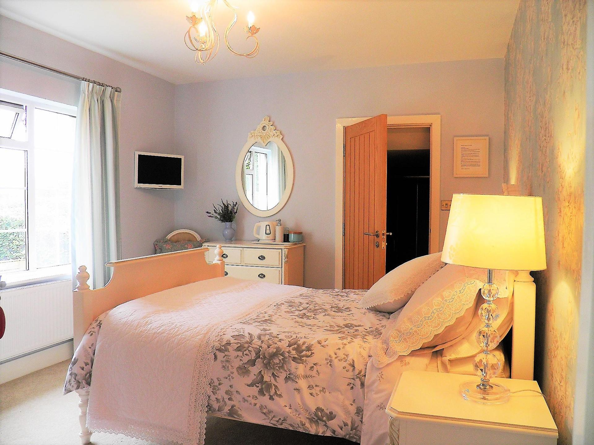 Cranleigh bed breakfast in exmouth devon ex8 2bz for Beds exmouth